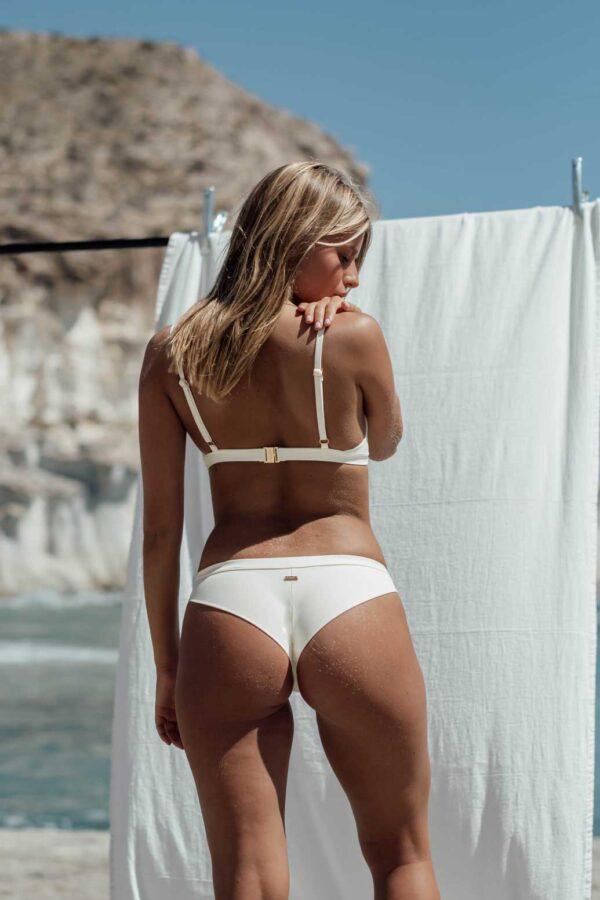 Bikini Falesia Blanco, de NARE® Swimwear - Vista trasera
