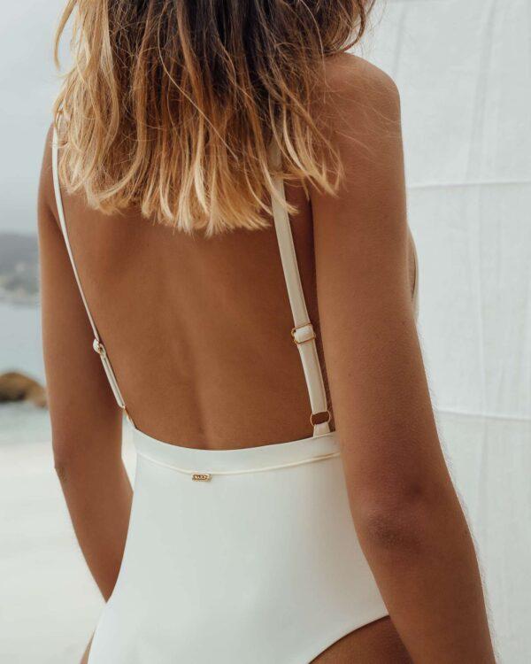 Bañador Vao Blanco de NARE® Swimwear - Vista trasera
