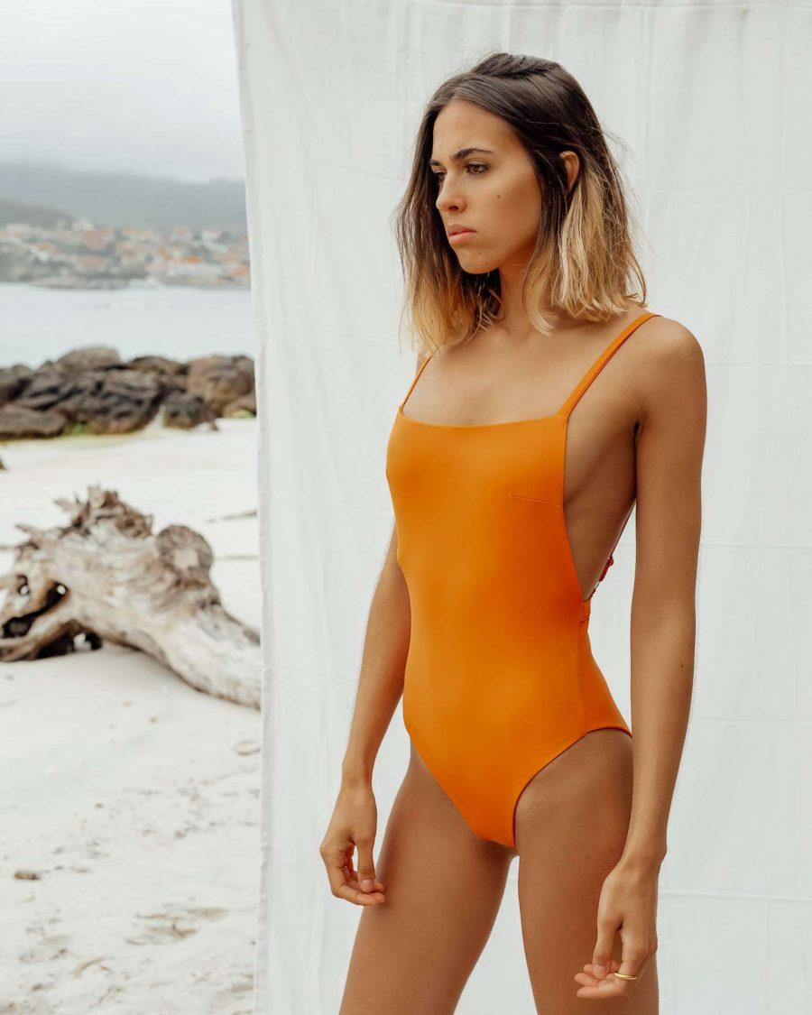 Bañador Vao Naranja de NARE® Swimwear
