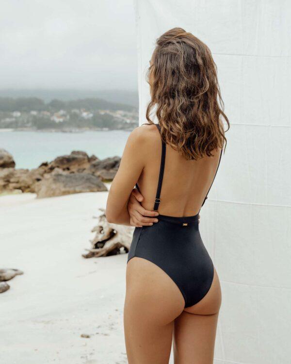 Bañador Vao Negro de NARE® Swimwear - Vista trasera