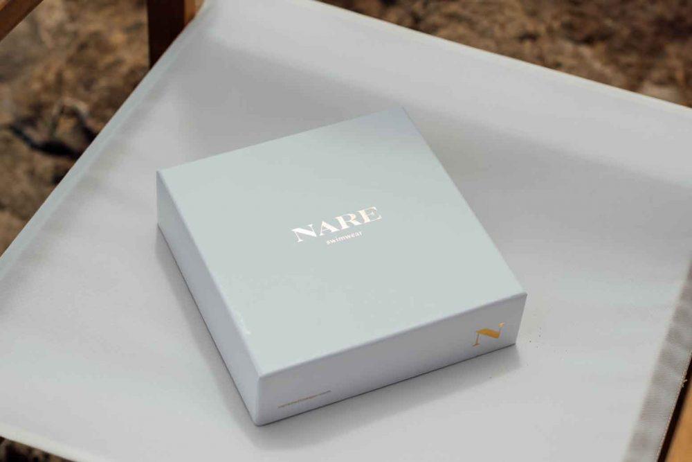 Detalle de caja NARE® Swimwear