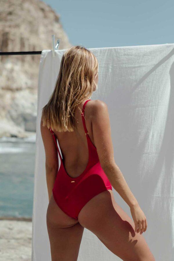 Bañador Roche Rojo de NARE® Swimwear - Vista trasera